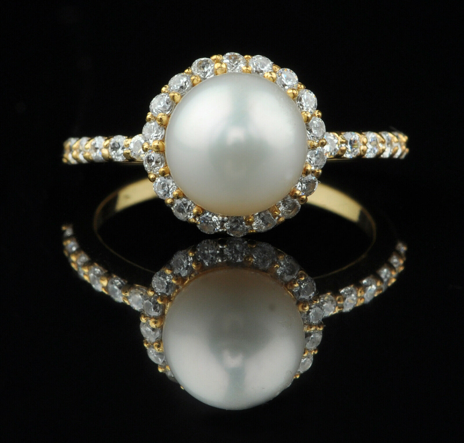 14KT Yellow gold Natural Freshwater Pearl 4.30Ct EGL Certified Diamond Ring