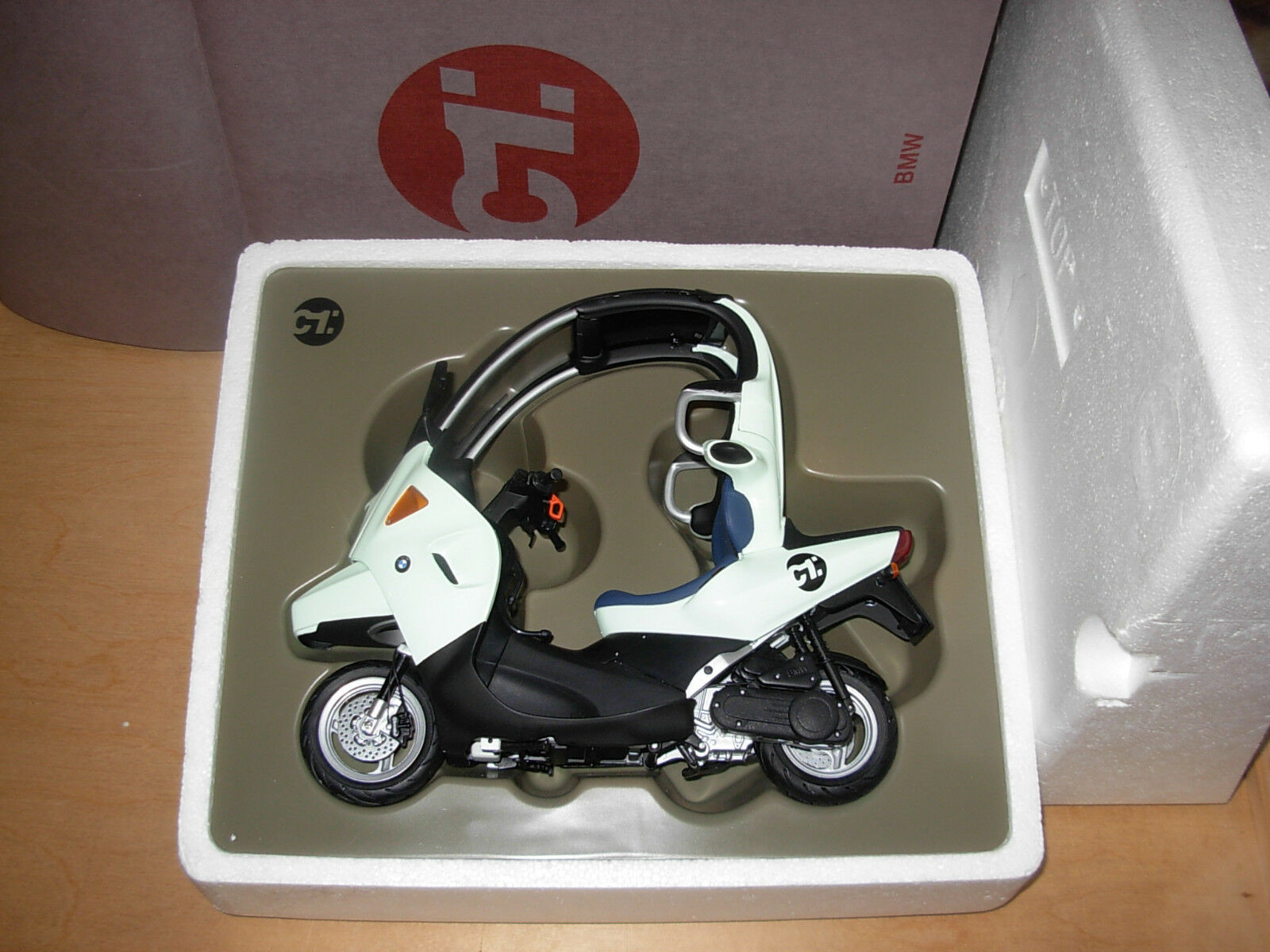 Very RARE 1 10 BMW c1 Minichamps MOTO BIKE SCOOTER Dealer Edition