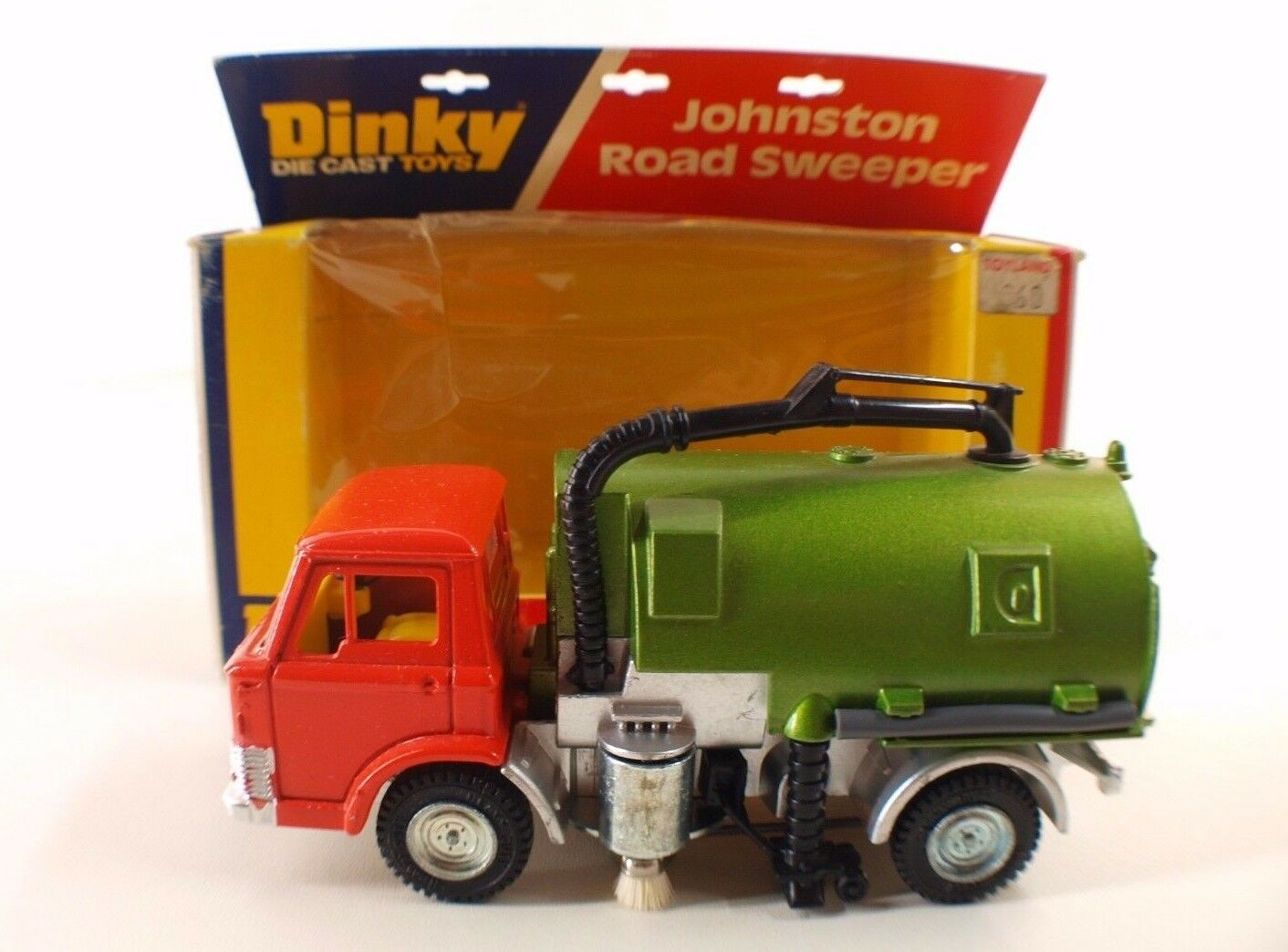 Dinky Toys  GB n° 449 camion Ford Johnston Road Sweeper neuf en boite MIB  magasin pas cher