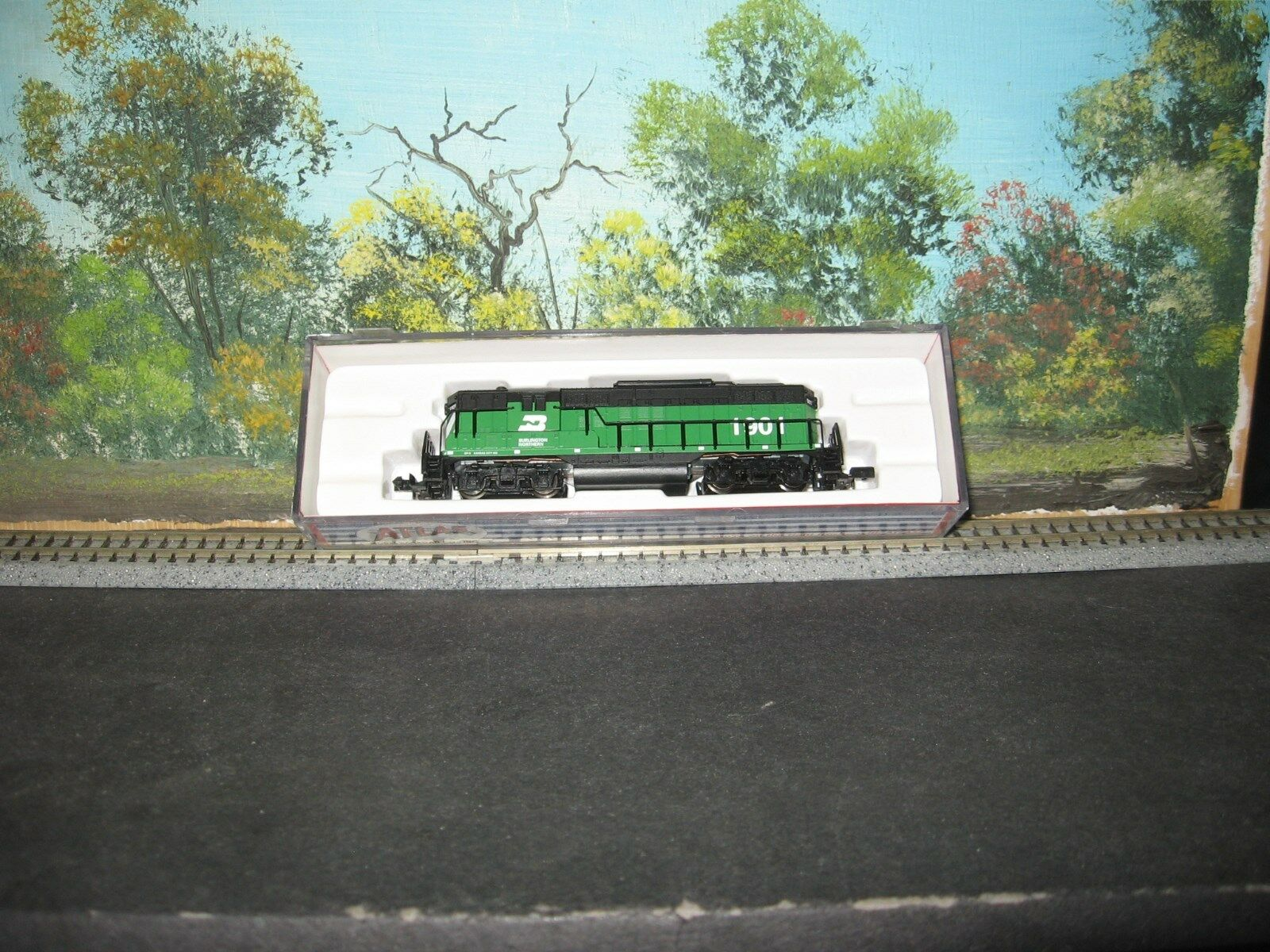 Atlas N Scale GP-9 T.T. Burlington Northern