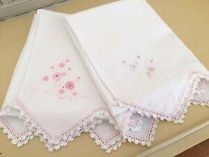 Vintage-White-Pillowcases-w-Pink-amp-White-Flowers-Needlepoint-Crocheted-Edge