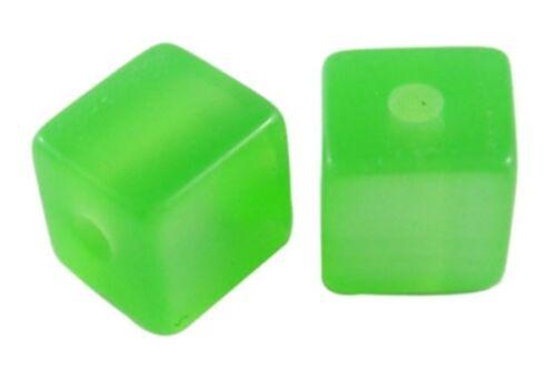 40 Resin Imitation Cats Eye 8mm Cubes. BOX95