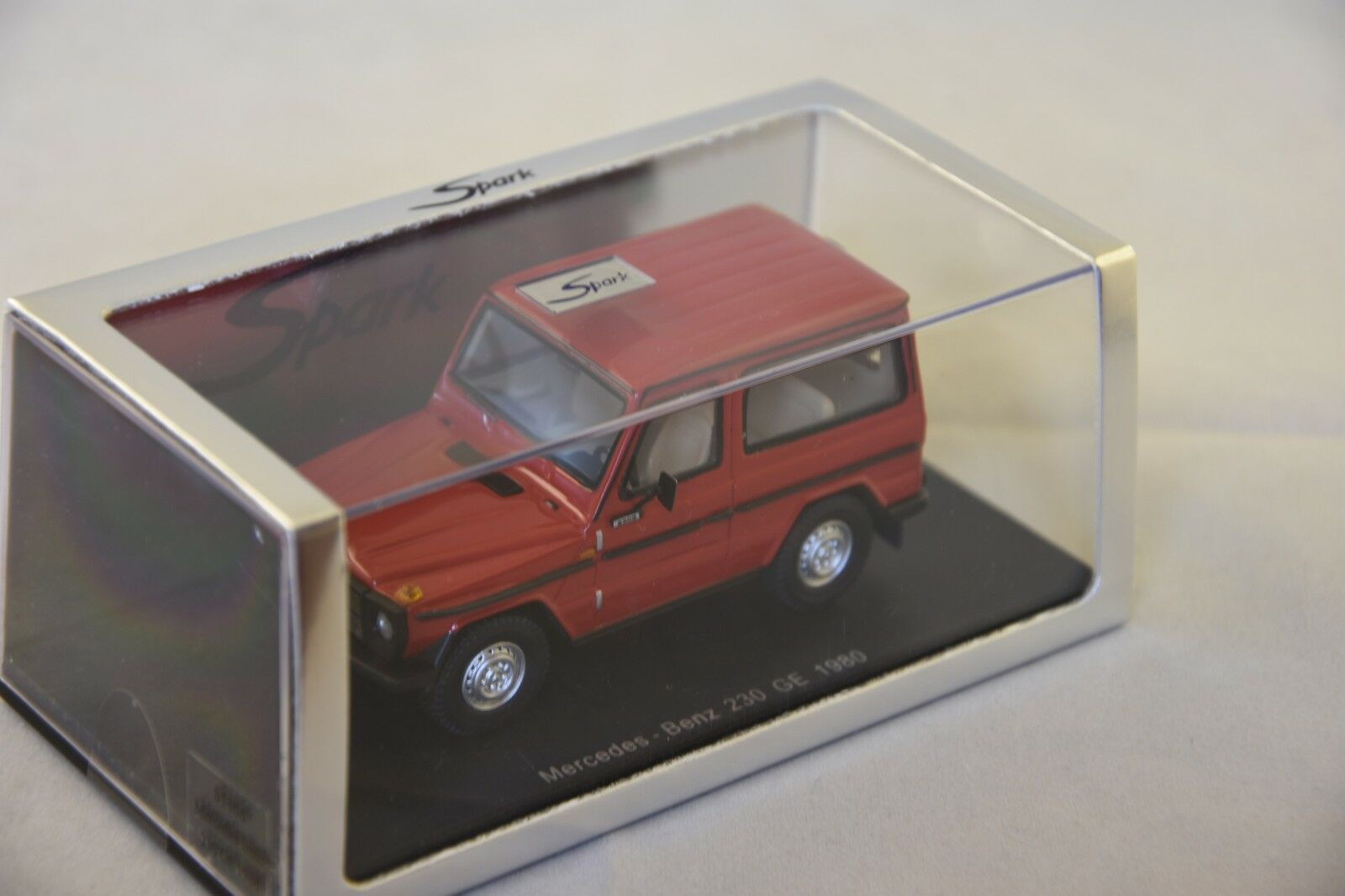 SPARK S1006 - MERCEDES 230 GE 1980 red  - 1 43