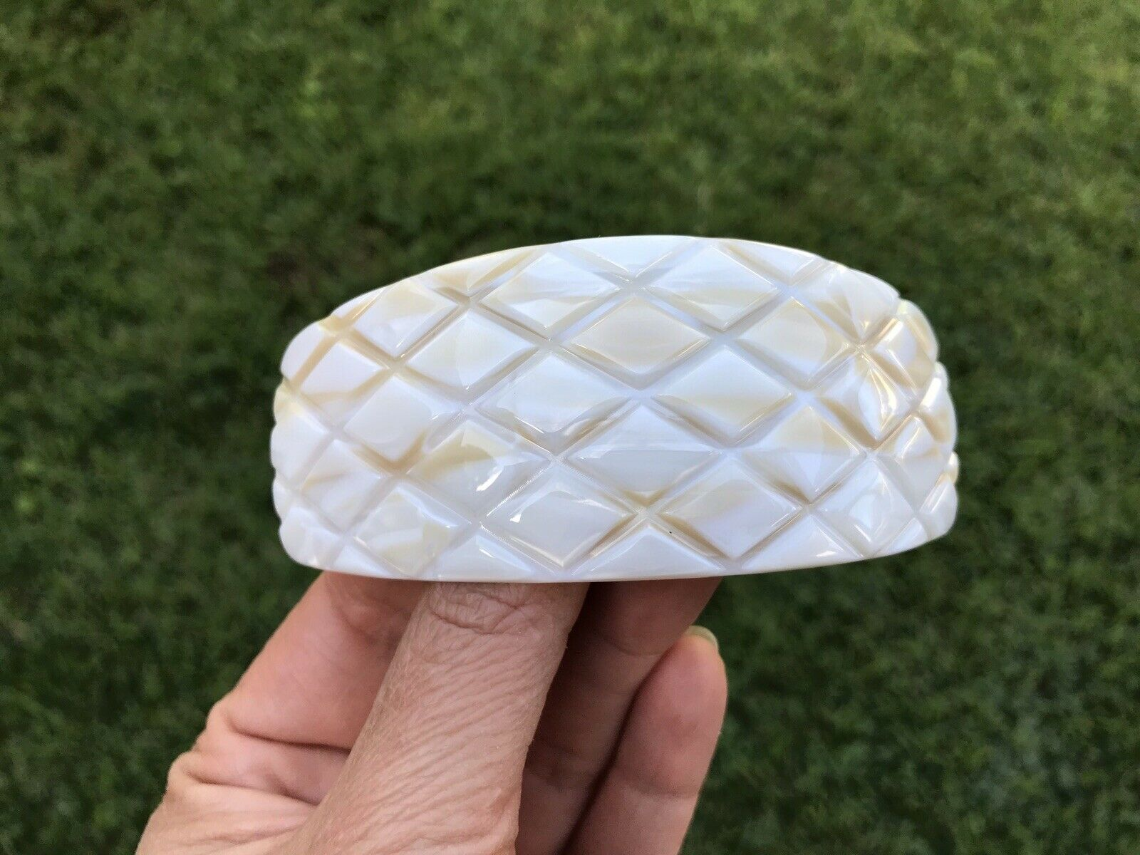 France Luxe Classic Volume Barrette Hair Clip Quilted Ivory White