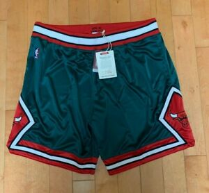 MITCHELL AND NESS AUTHENTIC CHICAGO BULLS GAME SHORTS GREEN WEEK 2008 SZ 3XL-4XL