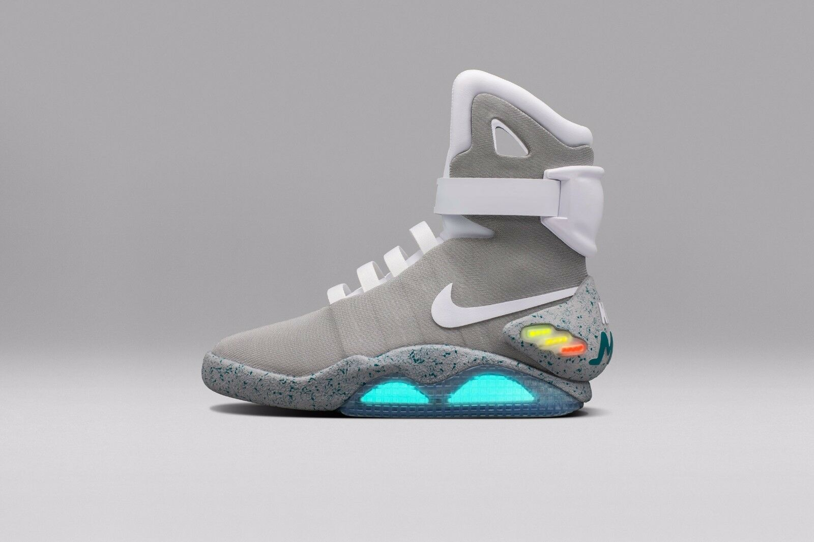 BRAND NEW - NIKE - AIR MAGS - BACK TO THE FUTURE - EXTREMELY RARE - HARD TO FIND