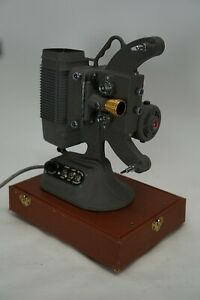 Vintage-DeJur-Model-750-8mm-Projector-with-Case