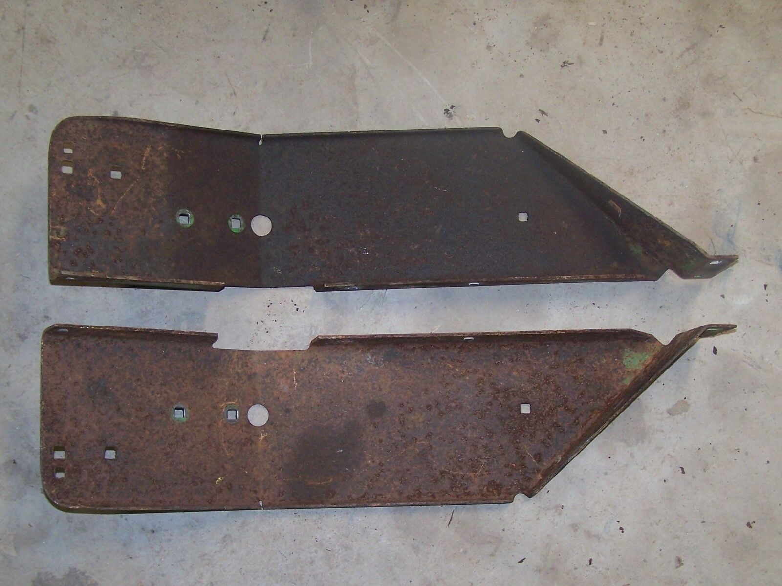 John Deere utilizado 110 rojoondo Fender izquierda & derecha pan de pie NN1