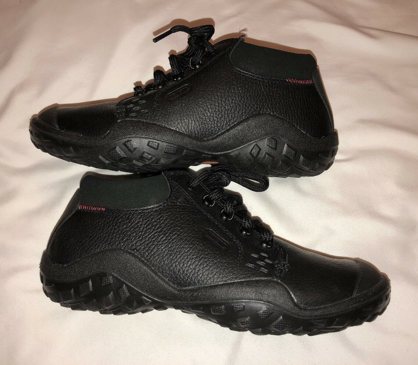 WOLVERINE MENS BLACK SHOES SIZE 8.5 NEW