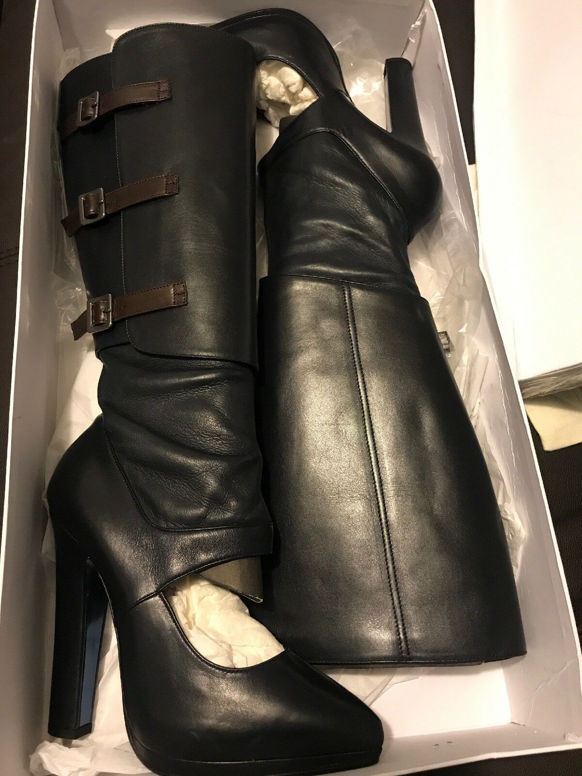 Versace Mujer cortado con cinturón cinturón con Negro botas a la rodilla c16377