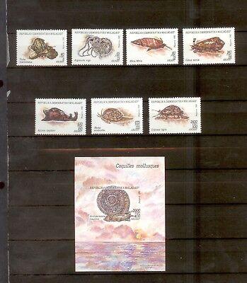 *a114 1992 Malagasy Fish Vissen Shells (set & Block) Om Digest Greasy Food Te Helpen