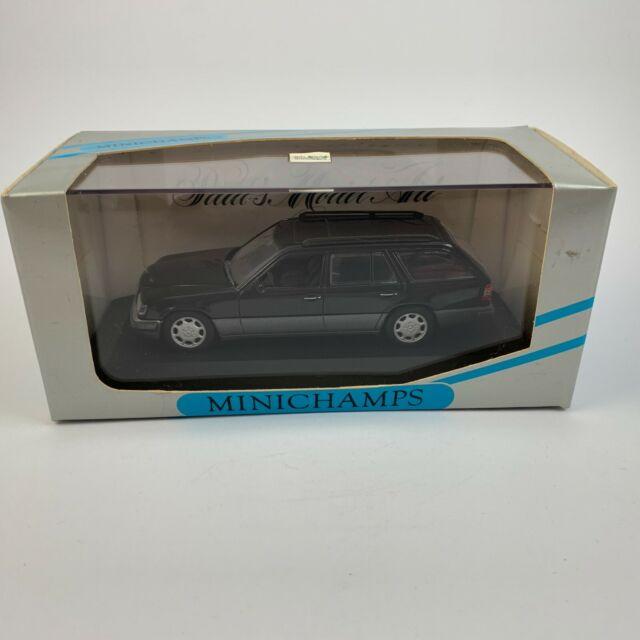 Pauls Model Art Minichamps 1:43 430033540 Mercedes Benz E-Class Break-Blue/black