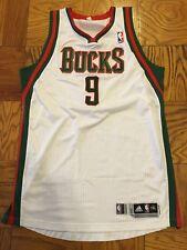 Shaun Livingston 11-12 Bucks game worn white home jersey, photomatched