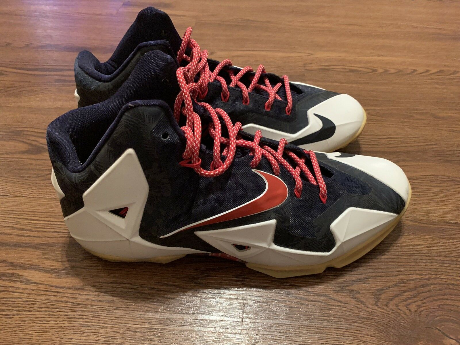 low priced f07f3 7fc8c VNDS VNDS VNDS Independence Day Lebron 11s Nikes Sz 13 f200c2