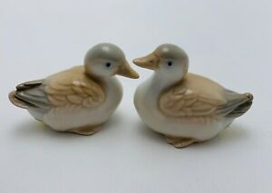 Vintage-Homco-Japan-Small-Fine-Porcelain-Ducks-Figurine-x2