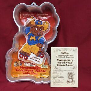 Wilton-Cake-Pan-2105-1968-Montgomery-Moose-Get-Along-Gang-Good-News-Roller-Skate