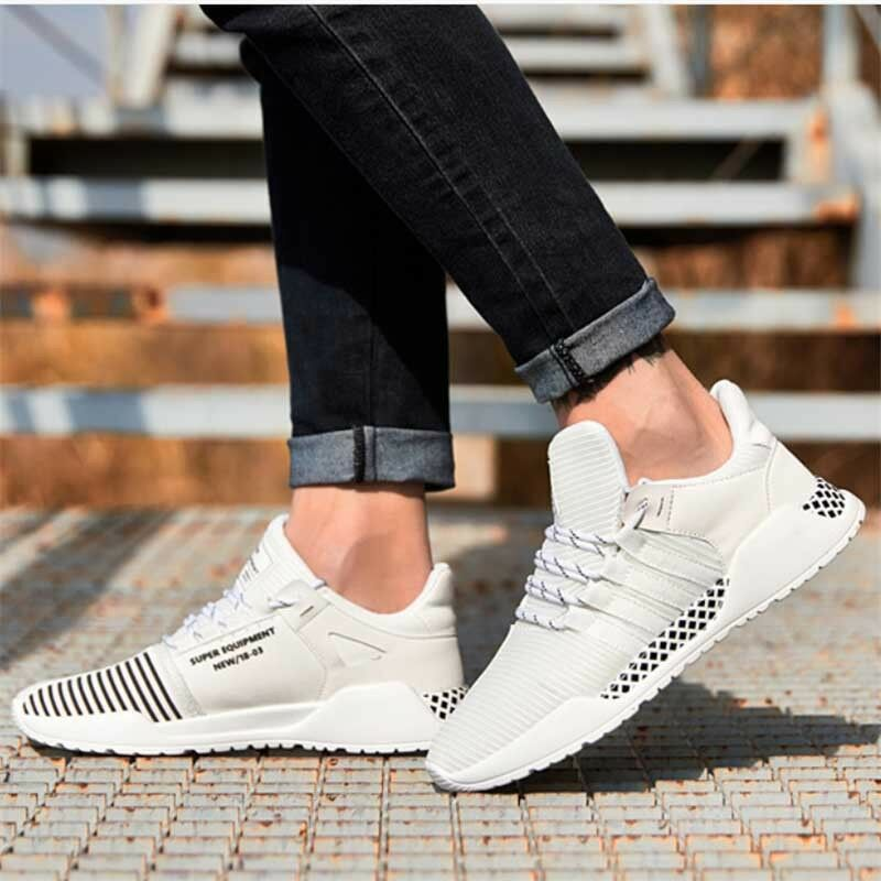 Light Outdoor Sports Men's Running shoes Lace Up Training Sneakers Breathable