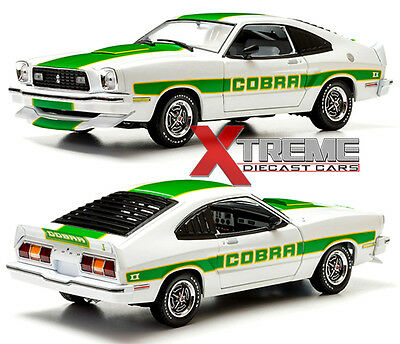 GREENLIGHT 12895 1:18 1978 FORD MUSTANG II COBRA II WHITE WITH GREEN STRIPES