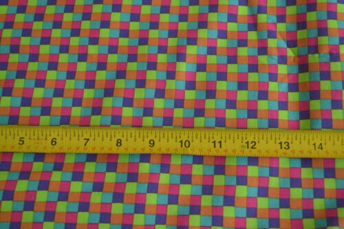 "Bright Checks on Quilting Cotton By 1//2 Yd Fabri-Quilt///""Eccentrics/""//635 N404"