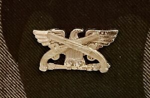 Cavalry Colonel Rank Officer Insignia Sabers Badge Hat GOLD Pin US Army Cav