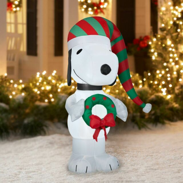 Peanuts Christmas Inflatable Yard Decorations  from i.ebayimg.com