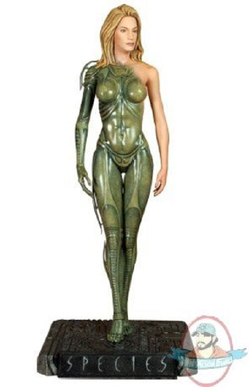1 4 Scale Scale Scale Species 19 inch Statue by Hollywood Collectibles 92b05a