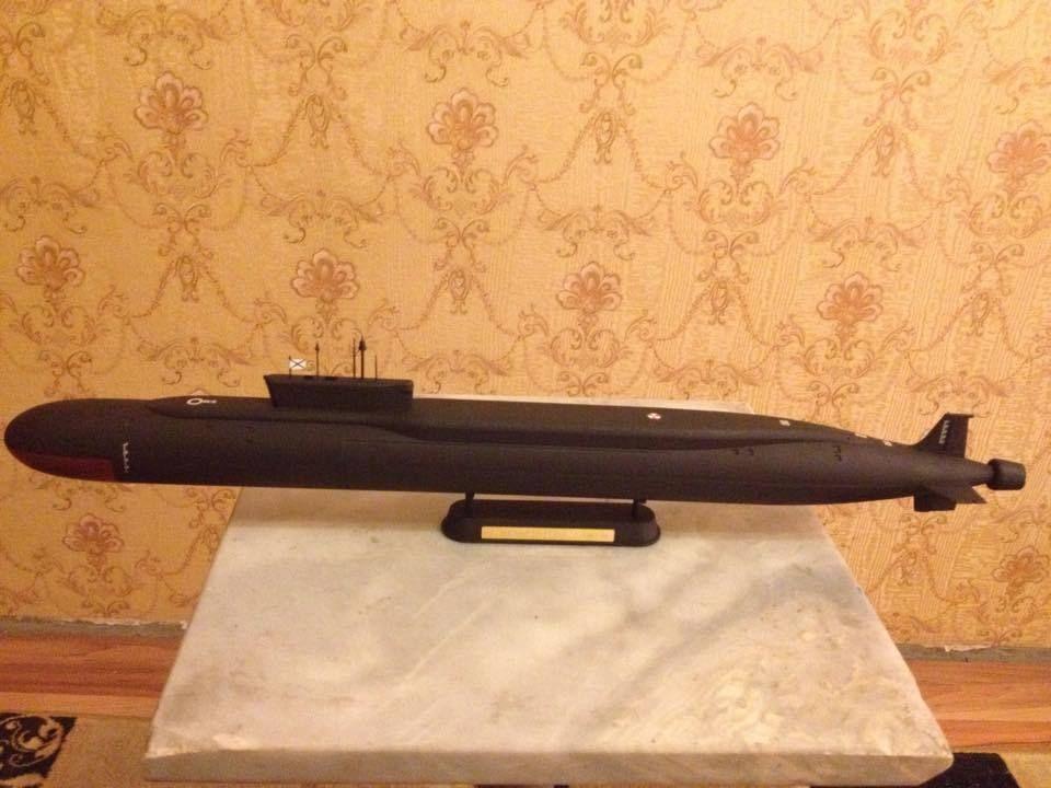 1 350 Russian Borei class submarine complete model
