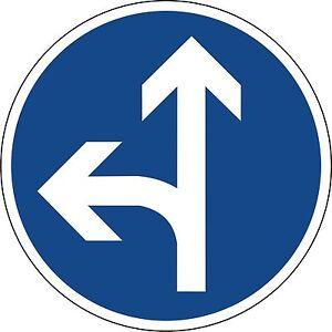 Verkehrszeichen-214-10-Fahrtrichtung-geradeaus-oder-links-600-amp-420mm