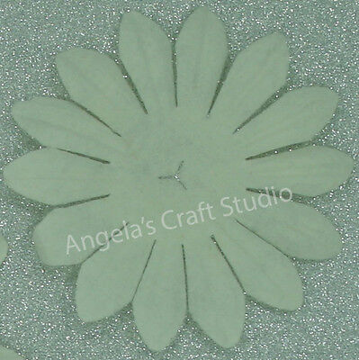 Mini WHITE 20 Paper Flowers 22mm across with Pearl Centre Green Tara GT D