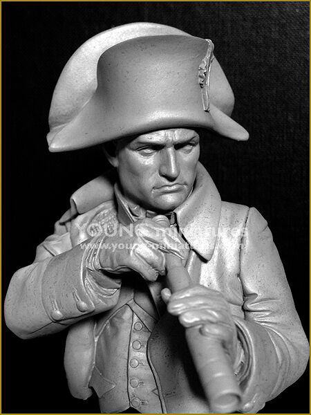 Young Miniatures Napoleon at Austerlitz YH1846 1 10th Bust Unpainted Kit