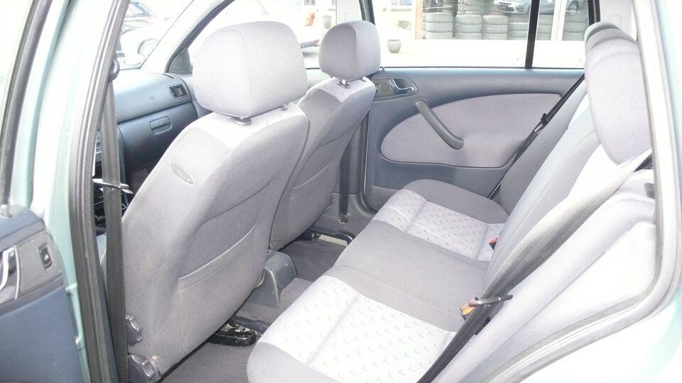 Skoda Octavia 1,6 Ambiente Combi aut. Benzin aut.