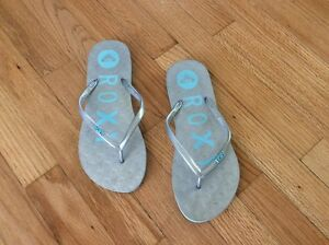 0386be3490742f Details about Roxy silver flip flops sandals women s size 8 7.5 aqua detail  logo excellent