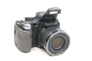 XLNT Fuji FinePix Digital Camera S4250WM 14 Mega Pixels