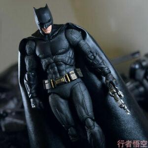 Mafex 056 DC Comics Justice League Batman PVC Action Figure Toy in Box Model