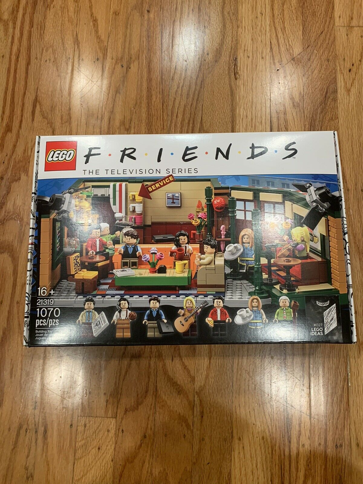 LEGO freunde Central Perk Ideas SOLD OUT 21319 Brand New IN HAND SHIPS TODAY
