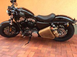 Sportster-Seitentasche-Braun-Sporty-Harley-Davidson-CLEAN-neu-Leder-1200-883-48