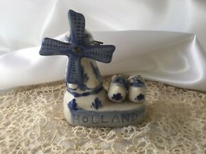 Antique-Vintage-blue-white-china-Holland-Windmill-sails-turn-Dutch-Clogs-DECO