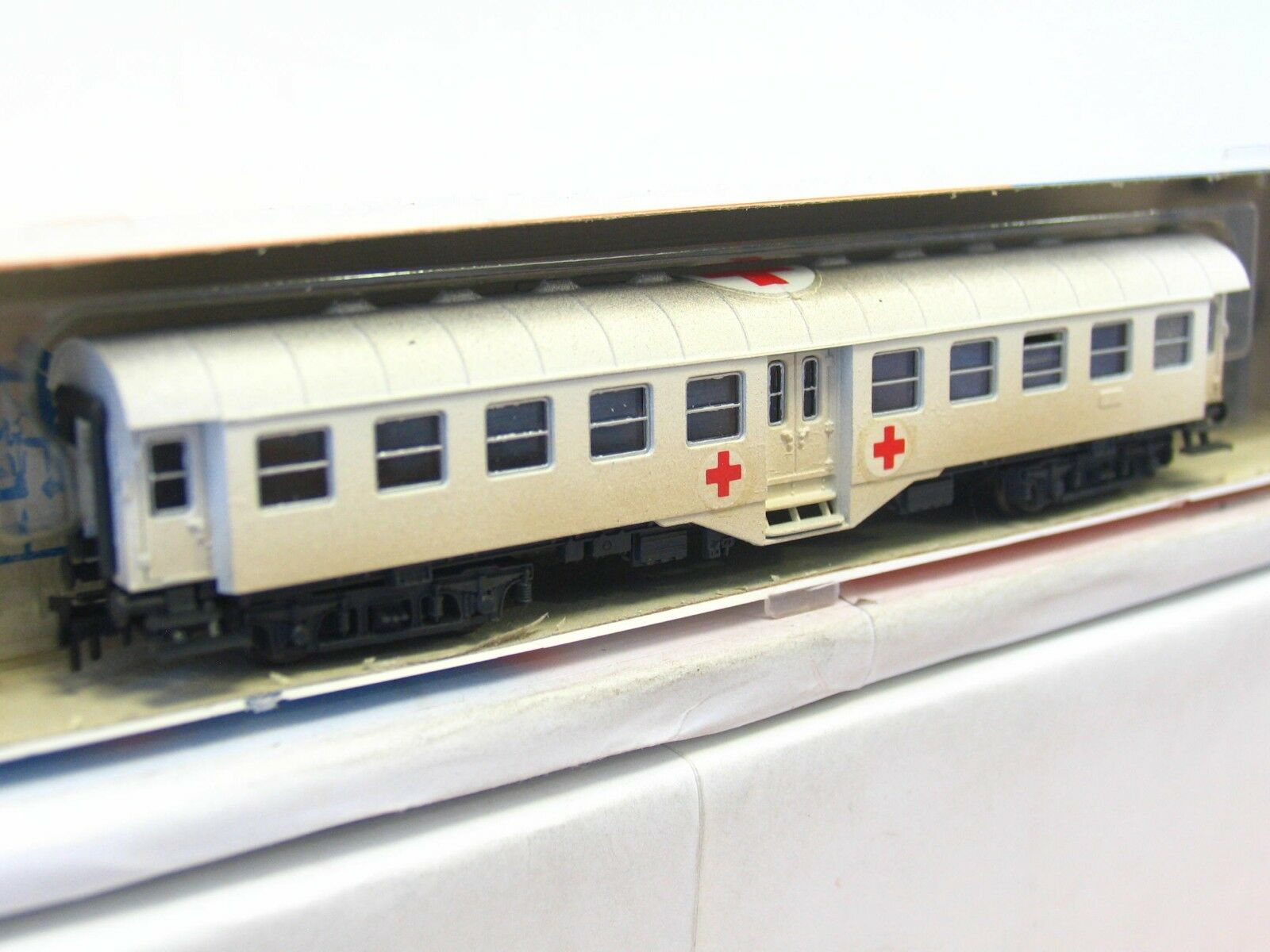 Roco N Hospital Trolley Red Cross Special Paint Aged VP (v6180)