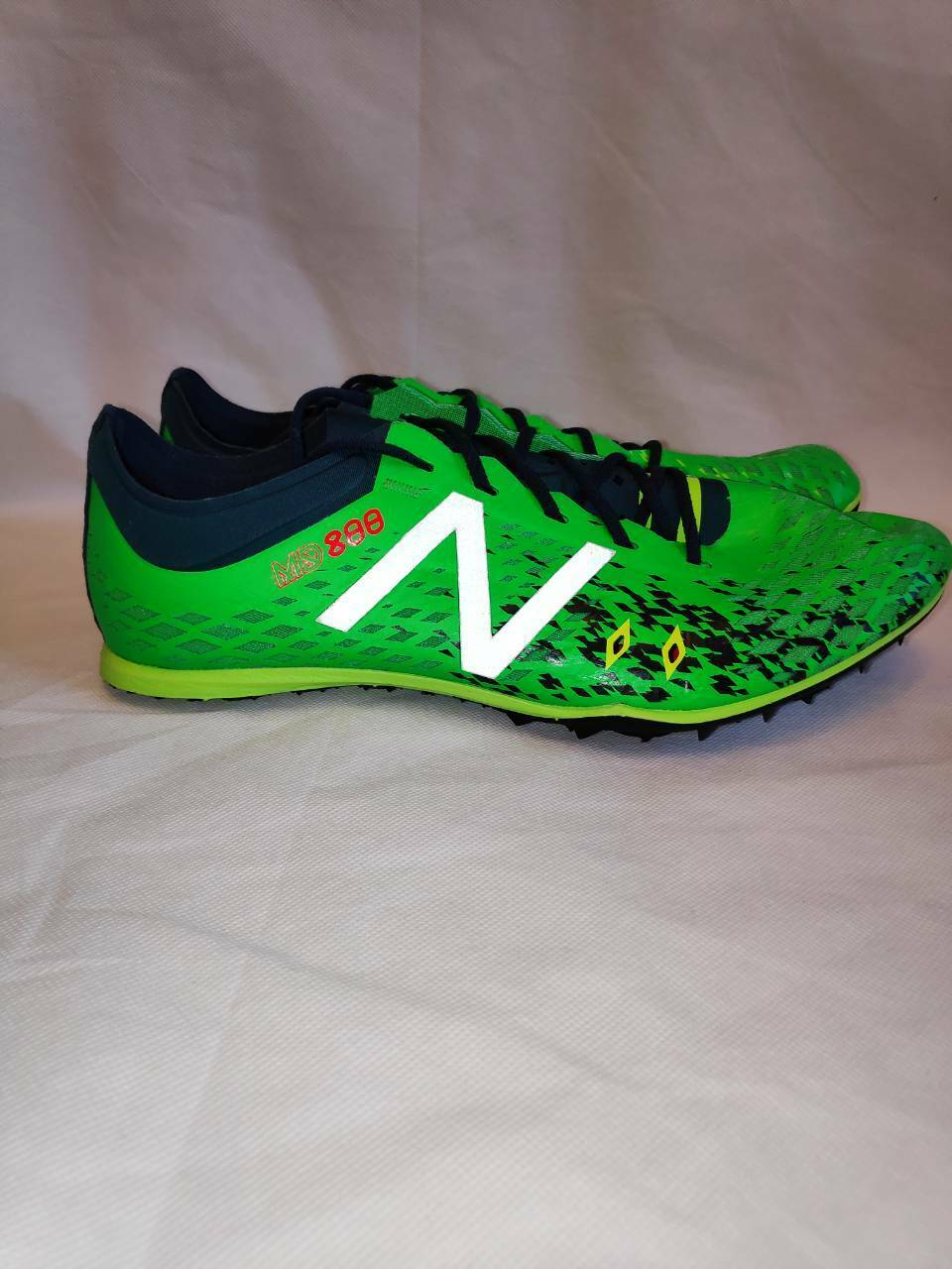 New Balance MD800v5 Men's mid distance track spikes NEW size US 9 send worldwide
