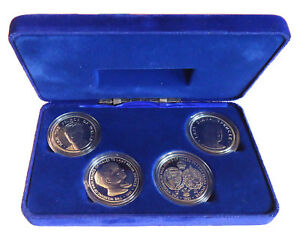 1981 Charles Diana Royal Wedding Proof Crown Medal Set Case + COA Pobjoy Mint