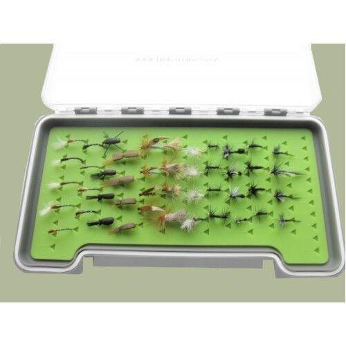 nommé dans la description 45 Mixte TRUITES MOUCHES dans un grand Silicone Insertion Box