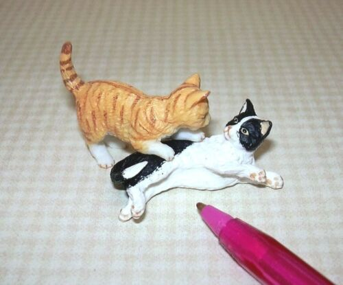 Black//White and Orange Striped PLAYING DOLLHOUSE 1:12 Miniature Pair of Cats