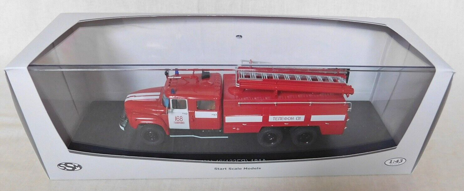 SSM Model Feuerwehr AC-40 ZIL 133 GYA 168 Pavlovo 1 43, USSR in OVP vom SSM1076