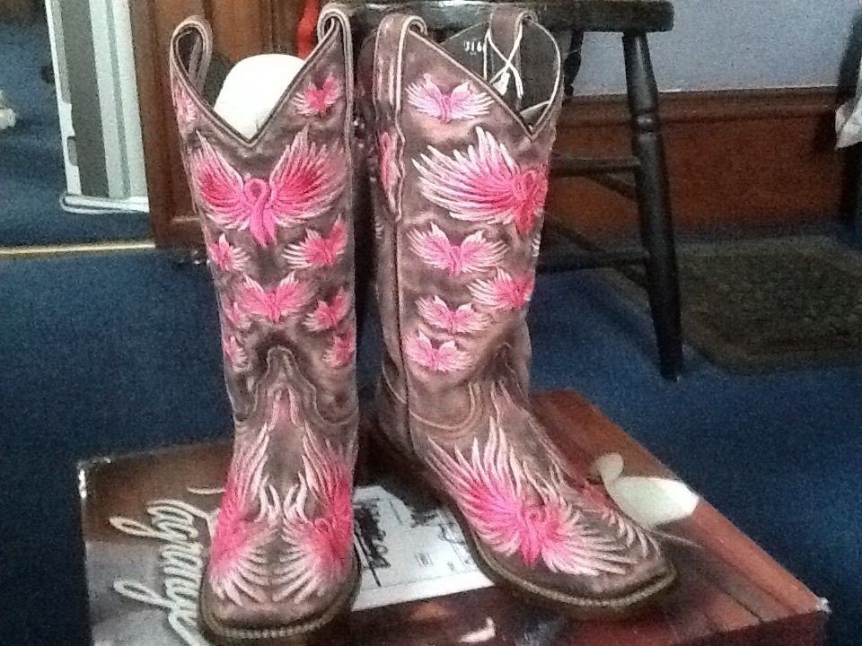 LaGrange Western Boots Womens   Wings of Hope  size 7, New with box.