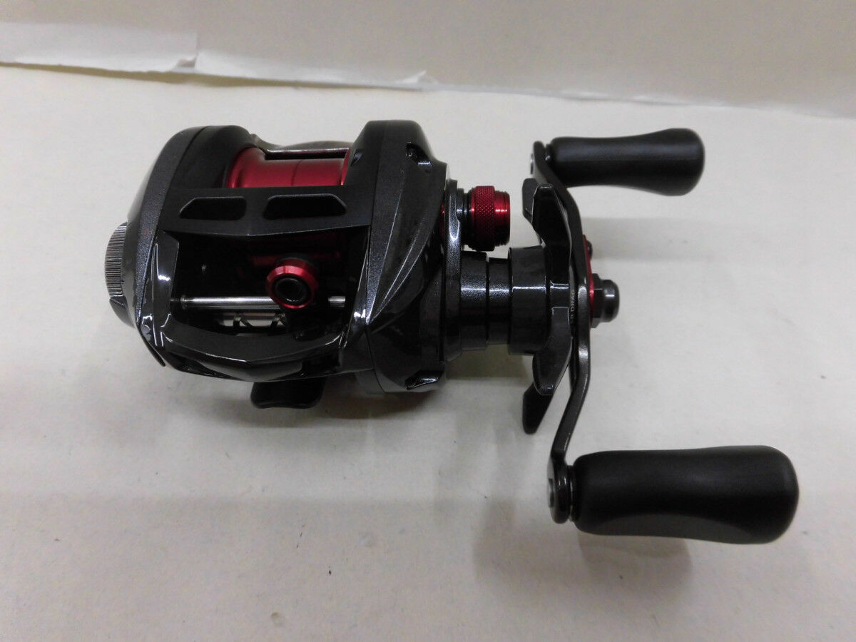 Daiwa Alphas Air 7.2L Left Handed Bait Casting Reel Used From Japan with Box