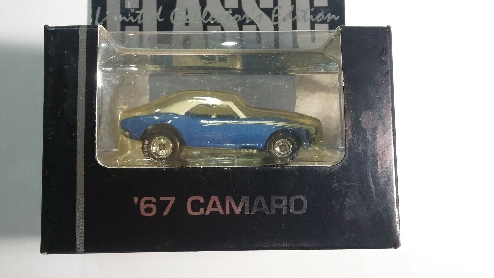 Hot Wheels Classic Hill '67 Camaro Low Number  487 Real Riders