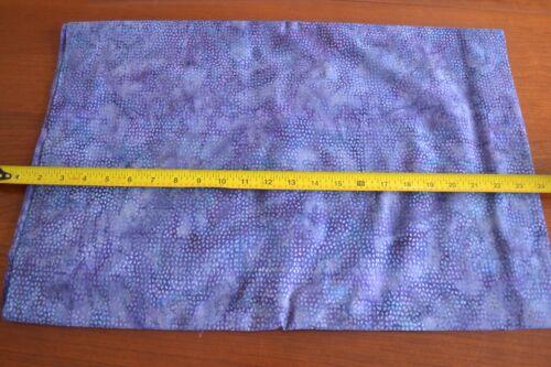 M9073 Blue /& Purple Batik Indonesia By 1//2 Yd Hoffman//G2199-212 Berry