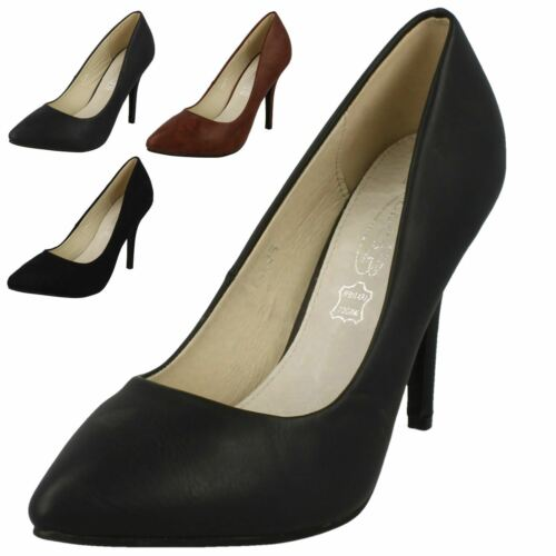 F9665 4 Colours. Ladies Spoton Pointed Toe Court Shoes