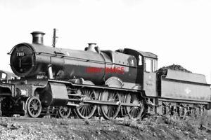 PHOTO-GWR-LOCO-NO-7813-FRESHFORD-MANOR-W-EXIT-ROAD-READING-SHED-16-10-1962