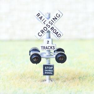 2-x-N-scale-model-railroad-grade-crossing-signals-LED-2-tracks-flasher-board